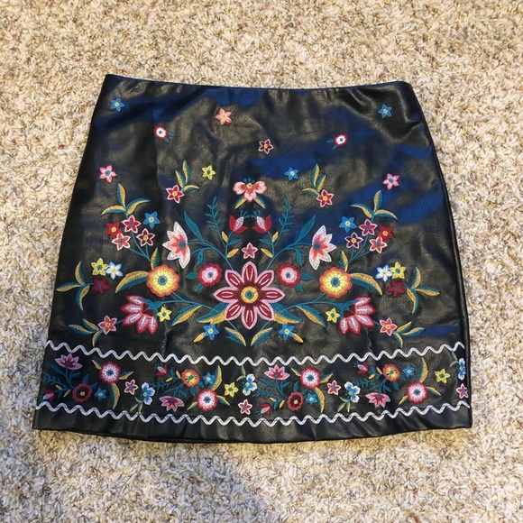 Dresses & Skirts - Leather floral print skirt, NEW without tags